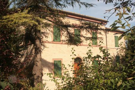 Property for sale in Marche. Historic Villa from the 1900s in Treia, region Marche