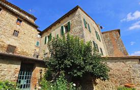 Townhouses for sale in Italy. Terraced house – Cetona, Tuscany, Italy