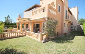 3 bedroom apartments for sale in Balearic Islands. Furnished apartment with a garden, a terrace and a parking in a residential complex with swimming pools, Santa Ponsa, Spain