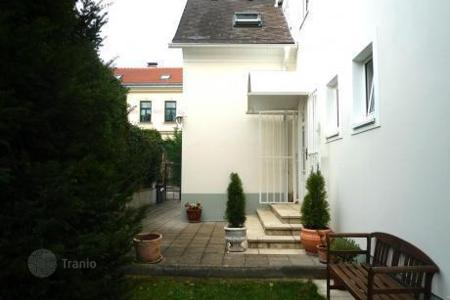 4 bedroom houses for sale in Austria. Comfortable 2-storey villa in a suburb of Vienna