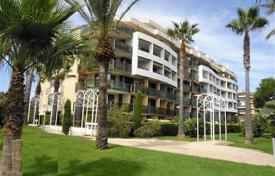 Beautiful apartment in Cannes on the first line for 510,000 €