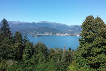 1 bedroom apartments by the sea for sale in Maggiore (Italy). Apartment – Stresa, Piedmont, Italy