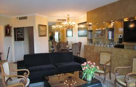 Residential for sale in Le Cannet. Comfortable one-bedroom apartment, in a prestigious area, Le Cannet, France
