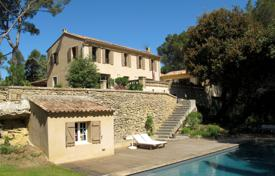 Property for sale in Bouches-du-Rhône. Close to Aix-en-Provence — Bastide with view