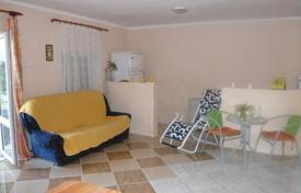 Property to rent in Kotor. Single storey house for rent in Parcani