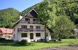 Property for sale in Radovljica. This is a substantial 4/5 bedroom house in this popular village with a super outlook to the meadows and mountains