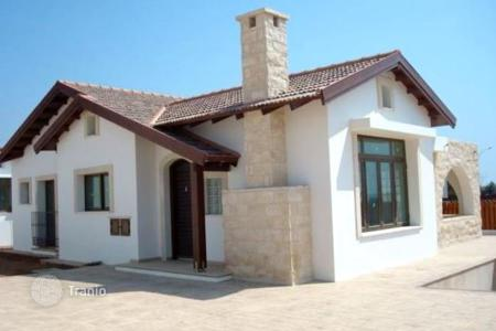 Houses with pools by the sea for sale in Ayia Napa. Villa – Ayia Napa, Famagusta, Cyprus