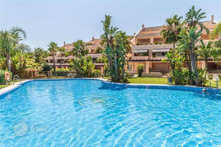 3 bedroom houses for sale in Costa del Sol. Stunning Duplex Penthouse in Albatross Hill Club, Nueva Andalucia