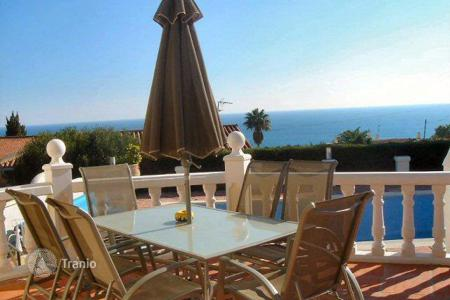 4 bedroom houses for sale in Madrid. Villa in San Diego, near Torreguadiaro, with sea views