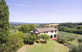 Residential for sale in Cetona. Exclusive farmhouse for sale in Cetona, Tuscany