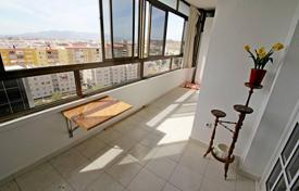 Cheap residential for sale in Malaga. Gorgeous apartment close to the historical centre of Malaga has amazing sea, mountain and urban views