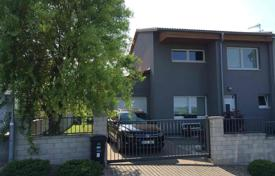 Townhouses for sale in Central Bohemia. Terraced house – Nehvizdy, Central Bohemia, Czech Republic