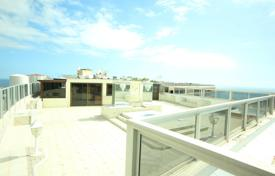 4 bedroom apartments for sale in Canary Islands. Apartment – Callao Salvaje, Canary Islands, Spain