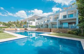 Townhouses for sale in Andalusia. Modern Townhouse in Vistas Marinas, Golden Mile