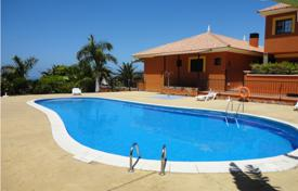 Fully furnished villa with terrace, garden, pool and ocean view in Madroñal, Tenerife for 390,000 €