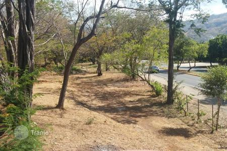 Property for sale in Guanacaste. Land plot on main street of Playa del Coco, Guanacaste, Costa Rica. Only 100 meters from Automercado