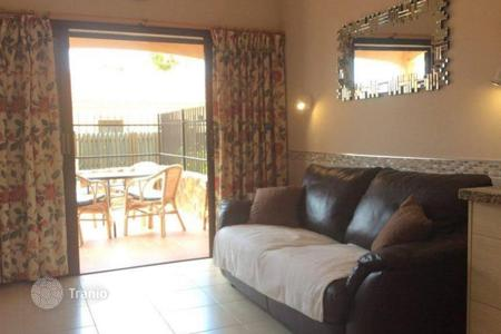 Cheap houses for sale in Gran Canaria. Bungalow in quiet complex in the heart of Playa del Ingles