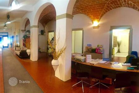 Commercial property for sale in Florence. Office – Florence, Tuscany, Italy