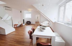 Penthouses for sale in Vienna. Four-room penthouse with roof terrace in Vienna, Wieden area