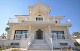4 bedroom houses for sale in Ciudad Quesada. Three-level villa overlooking the sea and salt lakes in Ciudad Quesada, Alicante, Spain