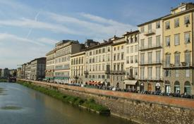 Luxury apartments for sale in Florence. Bright penthouse in the center of Florence, Italy