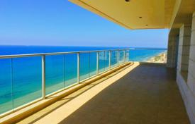 Apartments with pools for sale in Israel. Apartment in a new residence, 100 meters from the beach, in Netanya, Israel