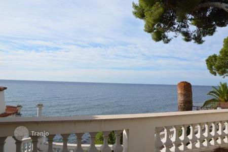 Luxury property for sale in Liguria. Villa – Sanremo, Liguria, Italy