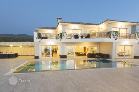 Property for sale in Kyrenia. Modern villa at walking distance from the sandy beach in Esentepe