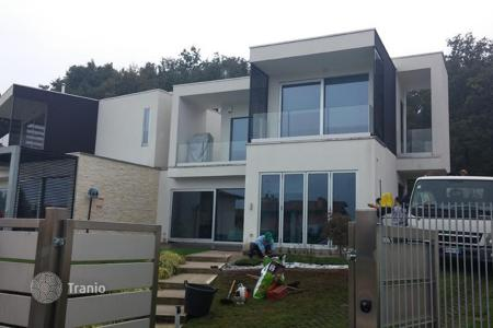 4 bedroom houses for sale in Lake Garda. Villa – Padenghe sul Garda, Lombardy, Italy