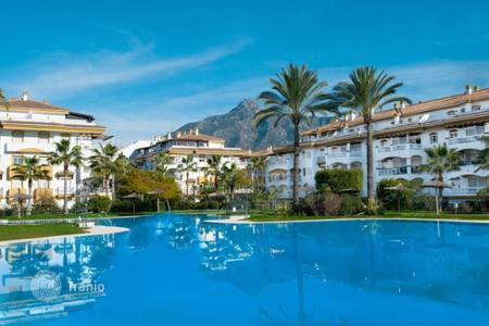 1 bedroom apartments for sale in Marbella. Penthouse – Nueva Andalucia, Marbella, Andalusia, Spain