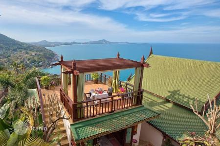 Condos for rent in Thailand. Villa with a private pool and a panoramic terrace, surrounded by a beautiful natural area of Chaweng Noi, Koh Samui