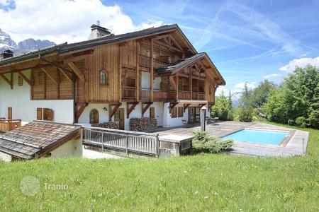 Luxury residential for sale in Megeve. Villa – Megeve, Auvergne-Rhône-Alpes, France