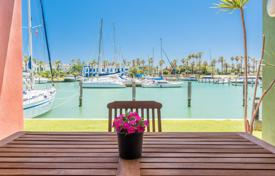 4 bedroom apartments for sale in Spain. South-facing luxury duplex apartment on a ground and first floor in the Sotogrande Marina