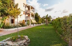 Coastal penthouses for sale in Spain. Spacious penthouse with a swimming pool and a terrace, Playa Flamenca, Spain