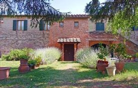 Two-storey house with cozy rooms and fireplace, Castelnuovo Berardenga, Italy for 760,000 €