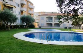 Furnished apartment with a parking and a terrace in a residential complex with a garden and a swimming pool, Cambrils, Spain for 160,000 €