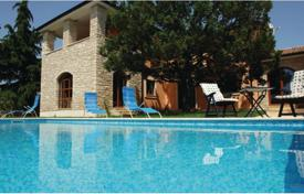 5 bedroom houses by the sea for sale in Croatia. Cozy villa with a pool and three terraces, near the beach, Vodnjan, Istria County, Croatia