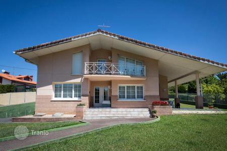 4 bedroom houses for sale in Basque Country. Cosy house with a river view, Plentzia, Spain