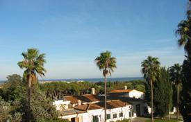 Luxury 5 bedroom houses for sale in Castille and Leon. Villa with sea and mountain views