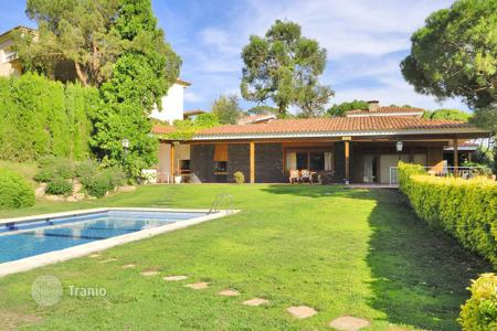 Luxury 6 bedroom houses for sale in Costa del Maresme. Townhome - Cabrils, Catalonia, Spain