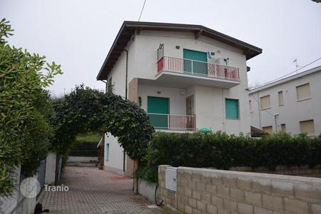 Residential for sale in Abruzzo. House within walking distance to the beach in Fossacesia, Italy