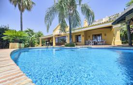 Residential for sale in Malaga. Charming Classic Villa in Puerto del Almendro, Benahavis