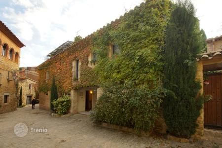 Residential for sale in Gerona (city). Exclusive house in the center of the village of Peratallada, Forallac, Spain
