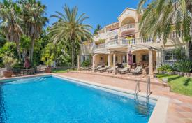 Luxury 4 bedroom houses for sale in Spain. Impressive Luxury Villa, Cascada de Camojan, Marbella Golden Mile (Marbella)