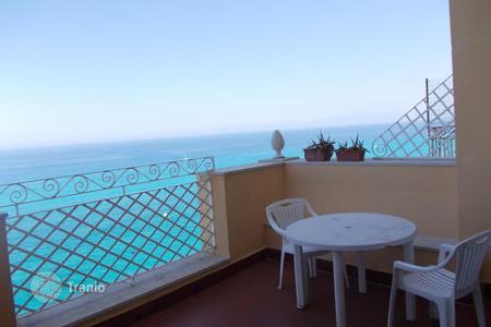 Coastal apartments for sale in Calabria. Furnished apartment with a terrace and panoramic views in a historic building in the heart of Tropea, on the sea front