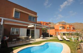 2 bedroom houses for sale in Gran Canaria. Luxury villa in Salobre Golf