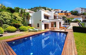 3 bedroom villas and houses to rent in Spain. Detached house – Roses, Catalonia, Spain