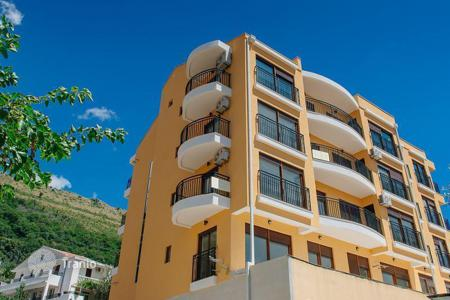 Residential for sale in Petrovac. Comfortable studio in the new house in a picturesque area of Petrovac, near the beach