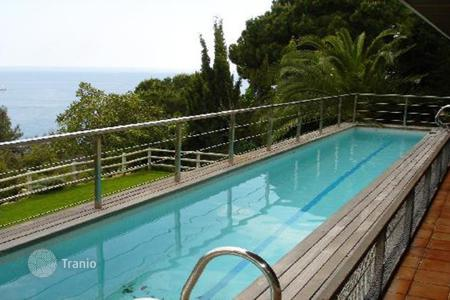 4 bedroom houses by the sea for sale in Tossa de Mar. Houses Costa Brava