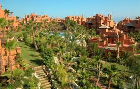 Luxury apartments with pools for sale in Costa del Sol. Two-level penthouse with a sea view and a swimming pool in Marbella, Andalusia, Spain